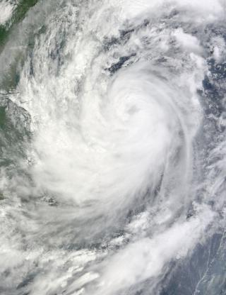 Typhoon_Ketsana_2009-09-28_0330Z.jpg by Freebase
