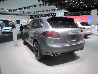 Porshe Cayenne Turbo by Flickr user sarahlarson