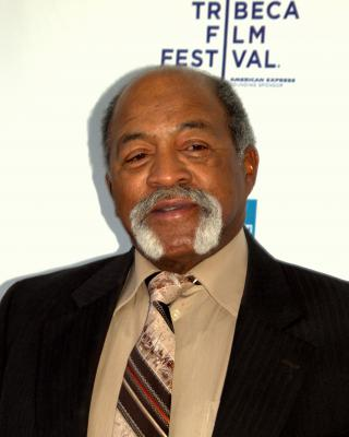 Luis_Tiant_at_the_2009_Tribeca_Film_Festival.jpg by Freebase